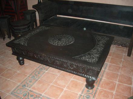 Tavolino marocchino articolo prodotto marocchino tavolino marocchino in legno di cedro intagliato a - Mobili marocchini ...