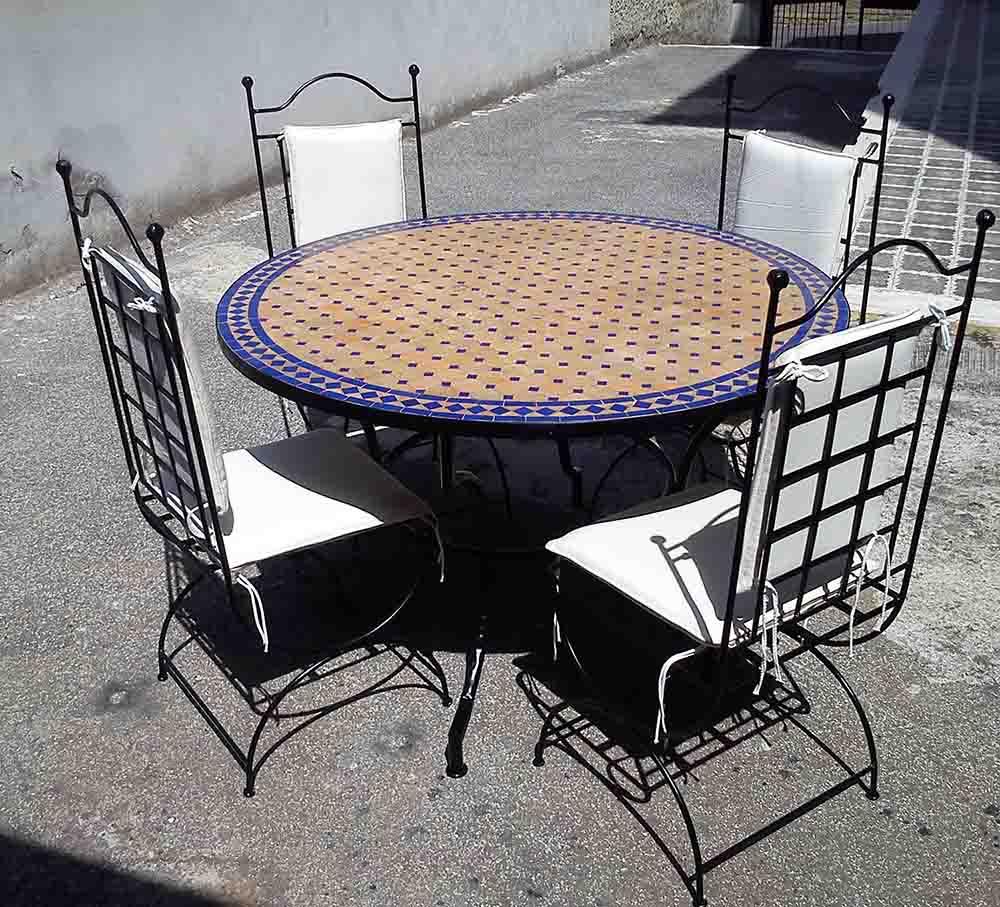 Tavolo zellige marocchino con sedie articolo prodotto for Tavolo rotondo etnico