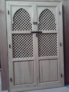 artigianato su misura arredo in legno porte marocchine. Black Bedroom Furniture Sets. Home Design Ideas